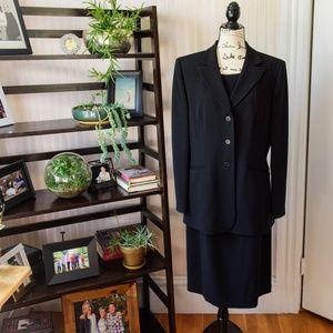 EUC Ann Taylor Dress Suit